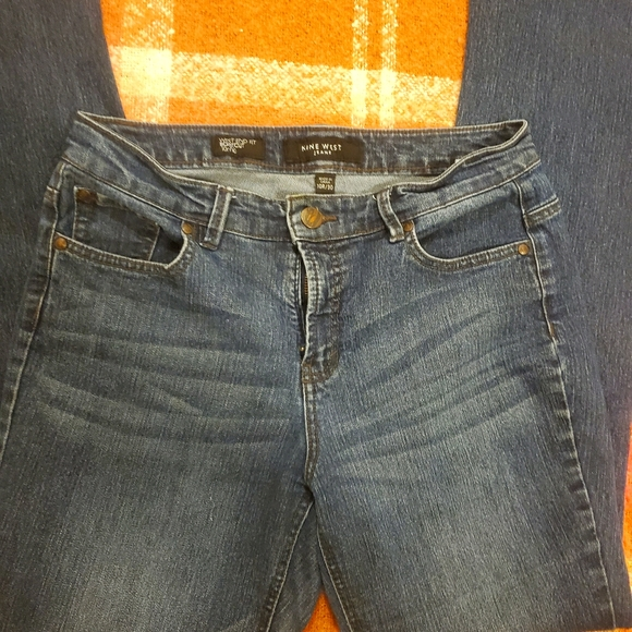 Cute Nine West bootcut jeans.